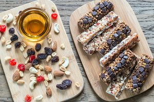 Granola bars with dried berries