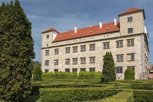 chateau Bucovice
