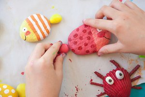 Making painted stone craft
