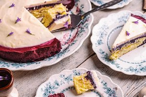 Blueberry cake with whipped yoghurt