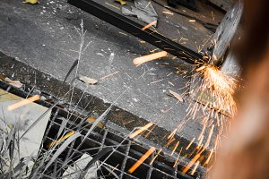 Machines for metal cutting
