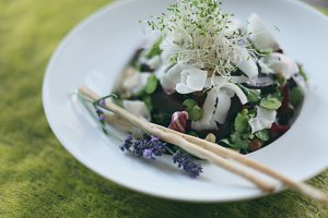 Salad with broad beans and beetroot