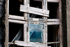 Old and broken Window (Vintage)
