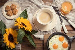 Breakfast whit sunflowers