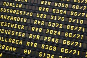 Flight screen in an airport