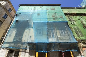 old houses in danger of collapse
