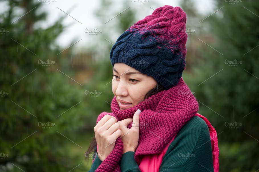 67f30cc8b Beautiful brunette woman wearing knitted scarf and hat. ~ Beauty ...