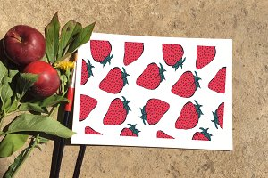 11 strawberry seamless patterns