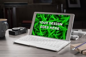 Laptop Screen Mock-up 6