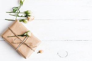 Gift, rose flowers
