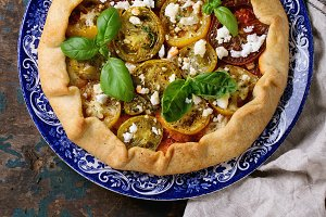 vegetable open pie with tomatoes