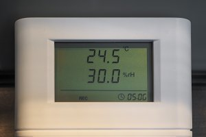 Hygrometer and thermometer instrument