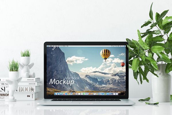 Mockup MacBook on the desk