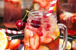 Healthy infused detox water