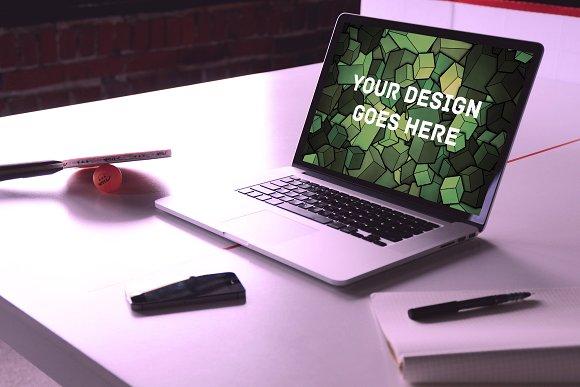MacBook Display Mock-up #10