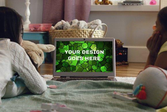 MacBook Display Mock-up #14
