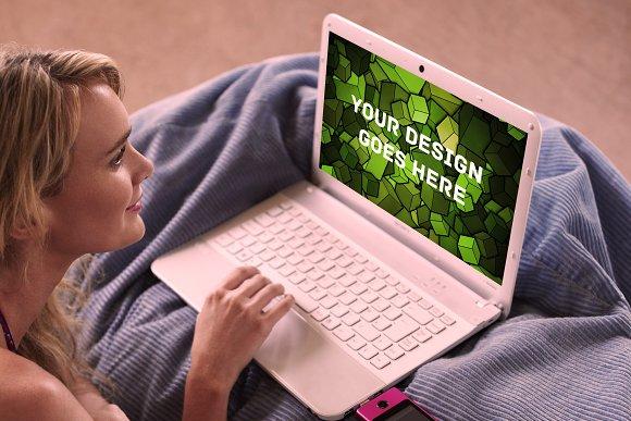 MacBook Display Mock-up #13
