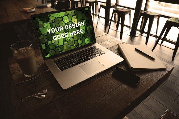 MacBook Display Mock-up #11