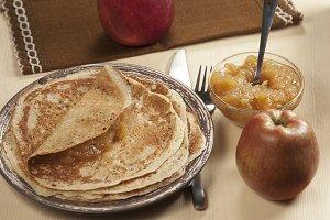 Pancakes with apple jam