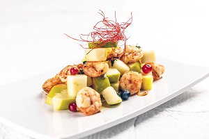 Shrimps with fruits
