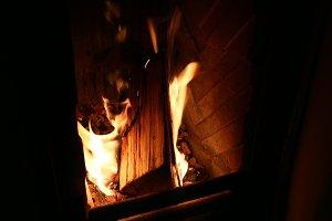Burning Flame Log Fireplace
