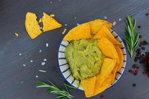 Green guacamole sause