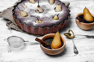 Pie with pear