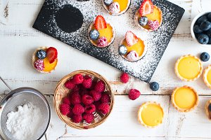 Cooking fruit tartlets