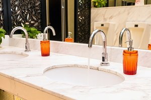 Luxury Chrome faucet with washbas