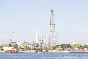 Petroleum refining plant