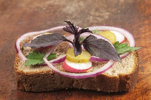 Hot vegetable sandwich