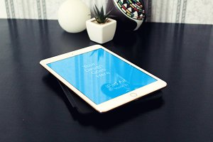 Apple iPad Display Mock-up#43