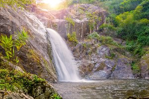 Mae Re Wa Waterfalls Mokoju Thailand