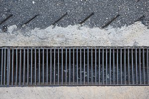Drain gutter grid