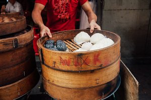 Cooking chinese buns