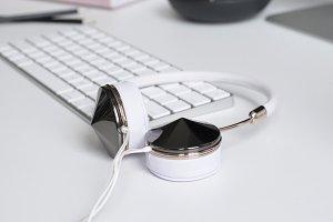 Portrait Styled Desktop | Headphones