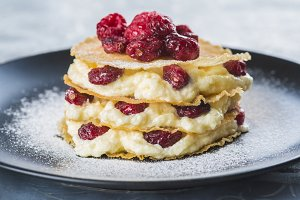 Mille-feuilles with cream and cramberries