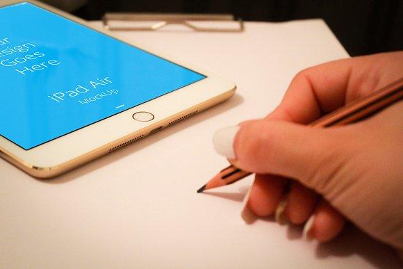 Apple iPad Display Mock-up#126 - Product Mockups