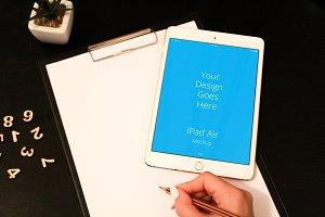 Apple iPad Display Mock-up#123