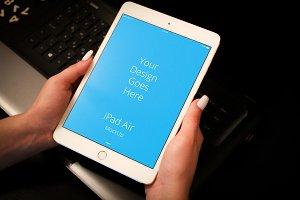 Apple iPad Display Mock-up#125