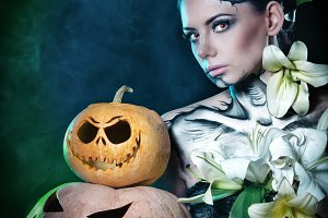 Girl makeup. Halloween. Pumpkins