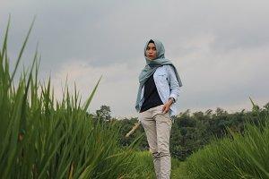 Hijab in rice fields 2.0