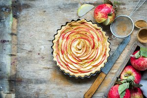Apple pie with frangipane