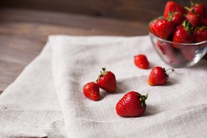 fresh ripe srawberries