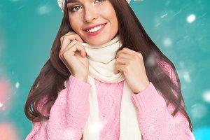 model in pink sweater
