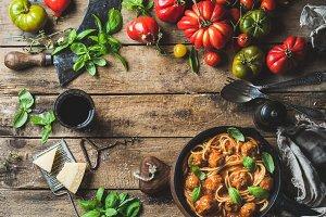 Pasta spaghetti with tomato sauce