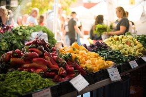Farmers Market shopping in Autumn
