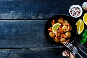 Prawns roasted with lemon