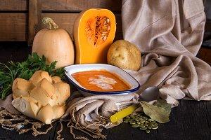Pumpkin soup for halloween party