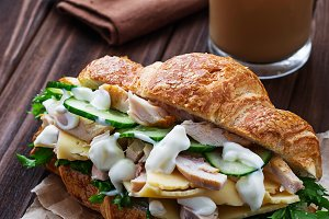 Croissant sandwich with chicken